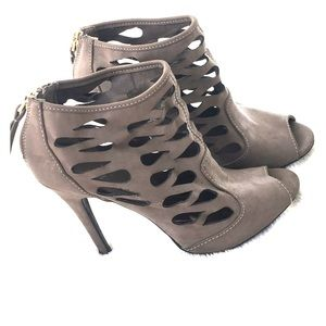 Shoes - Grey 👢 s